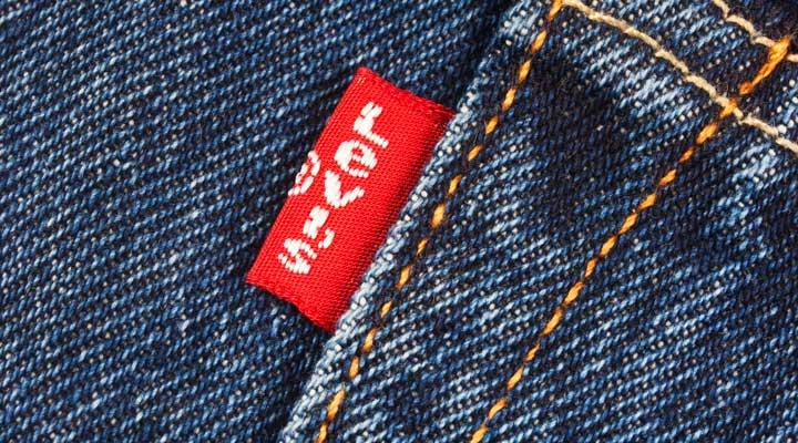 Бирка Levi's на джинсах