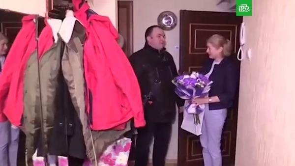 Лебедев поздравляет пострадавшую в теракте с днем рождения