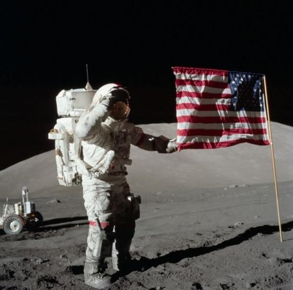американский космонавт