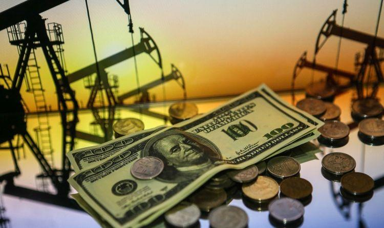Доллары и монеты рублями
