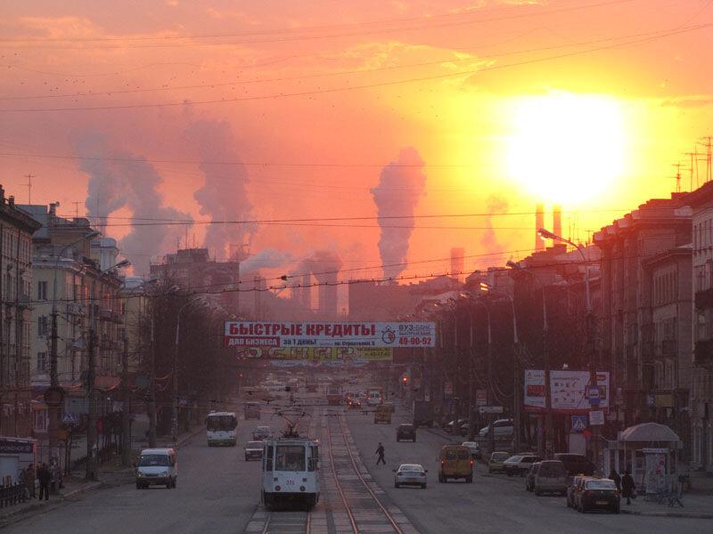 Закат и дымящие трубы в Нижнем Тагиле