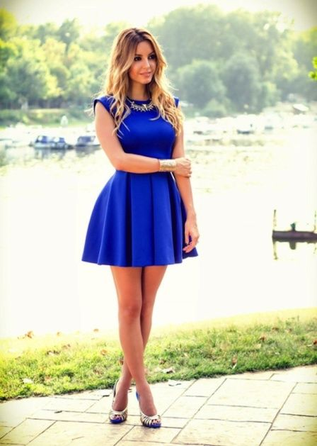 Синее платье с юбкой-колоколом
