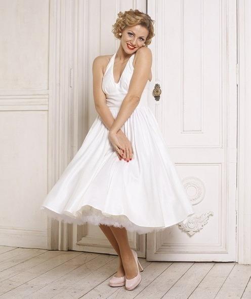 Белое платье в стиле Мэрилин Монро
