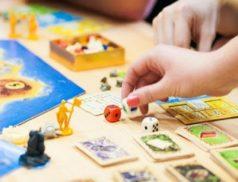 Фишки,кубики и настольные игры