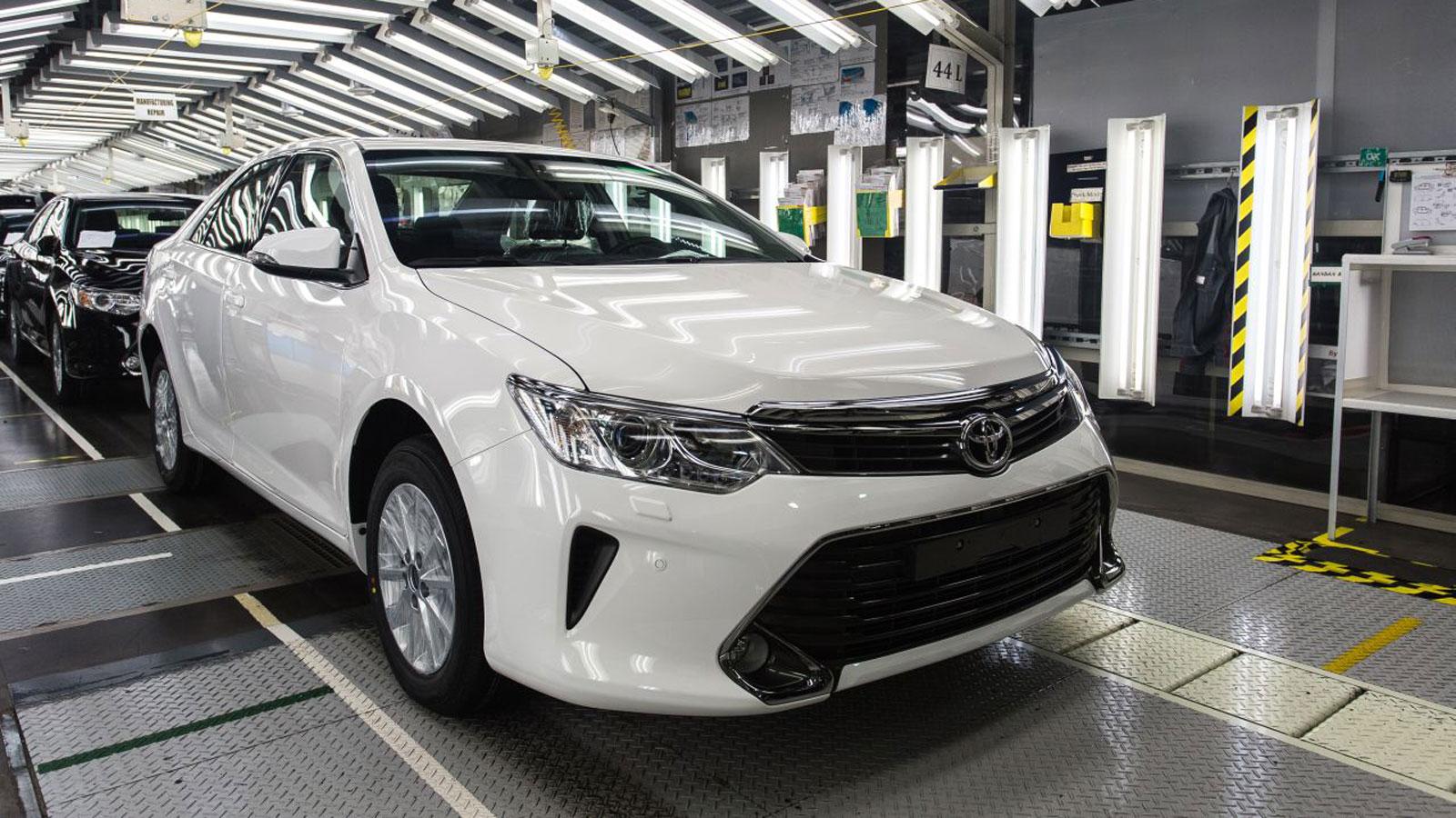 Новая Тойота на конвейере
