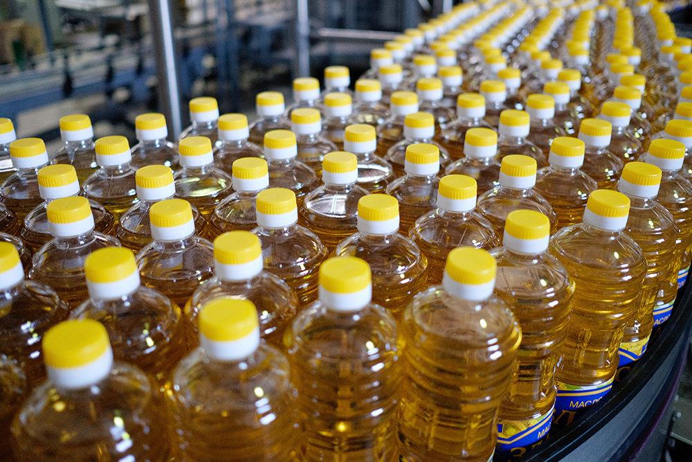 Бутылки с подсолнечным маслом