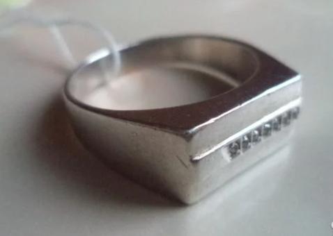Серебряный перстень с фианитами