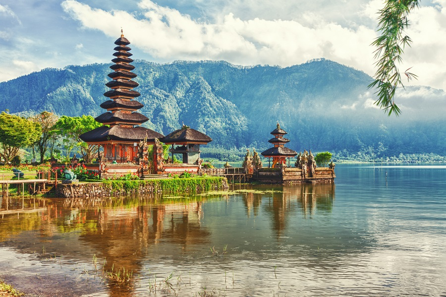 Побережье и горы Индонезии