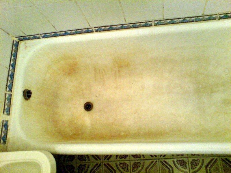 Пожелтевшая советская ванная