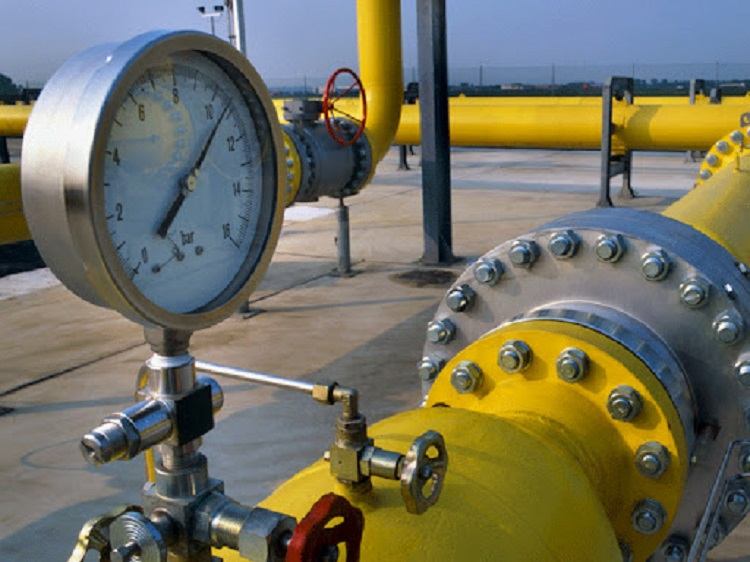 Газовая труба со счетчиком