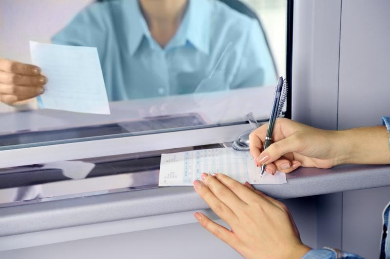 Заполнение бланка в кассе банка