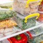 Судочки с овощами и ягодами в морозилке