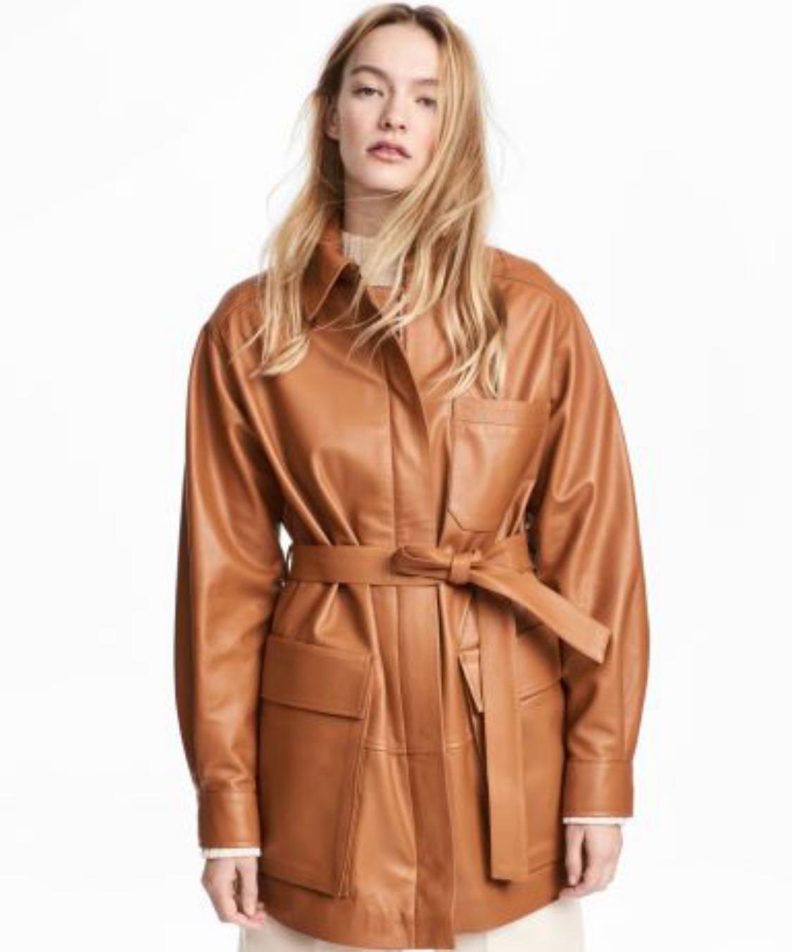 Модель в куртке H&M